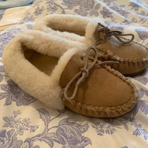 L.L. Bean Slippers. Size 8! Good Condition!